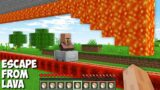 How to ESCAPE FROM LAVA in Minecraft ? LAVA RACE !