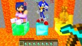 Minecraft PE : ONLY ONE Can Be SAVED – APHMAU or SONIC or MONEY in Minecraft!